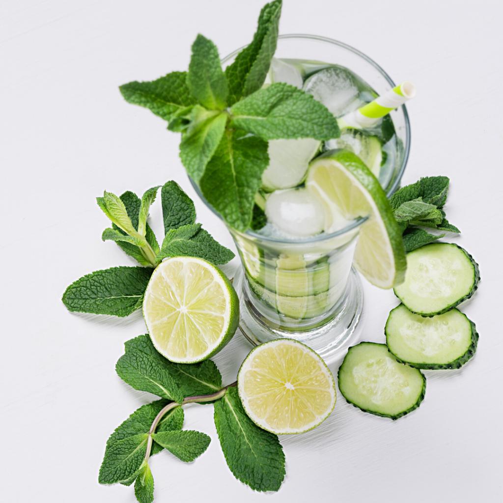 Cucumber-Mint Wine Fizz